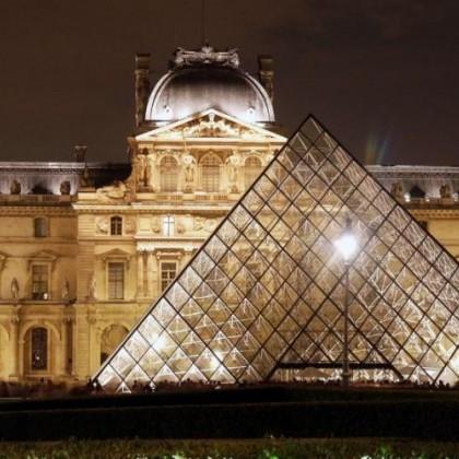 Parijs Louvre.jpg